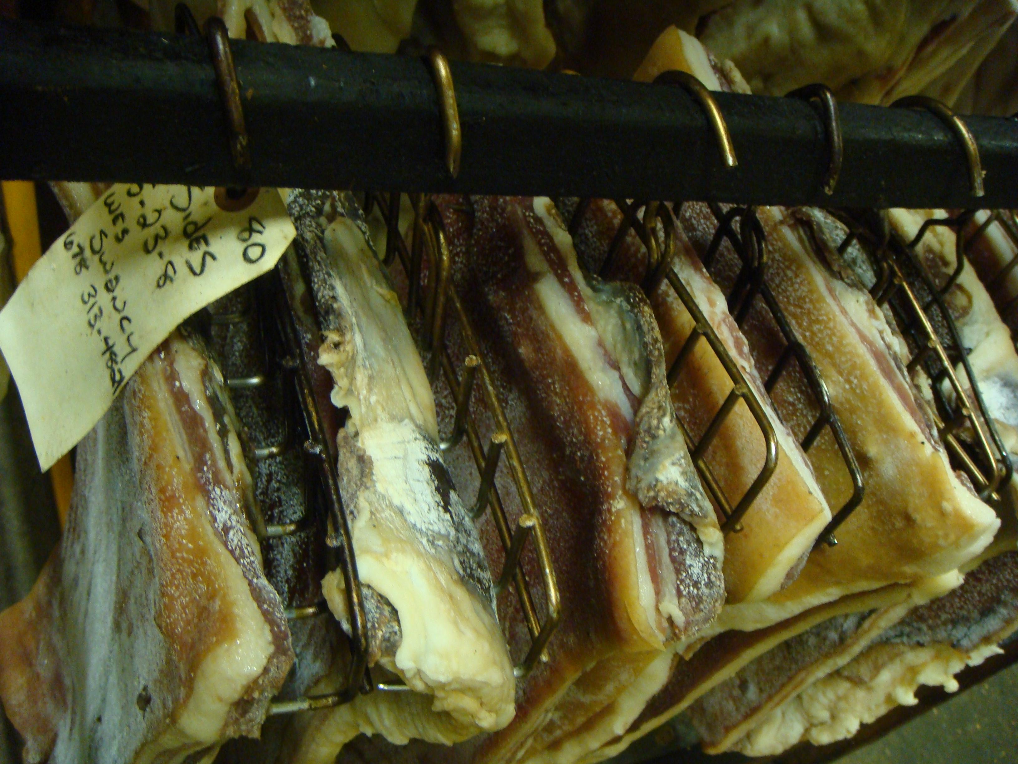 Heirloom Tomato Sandwiches Country Living Bentons Hams